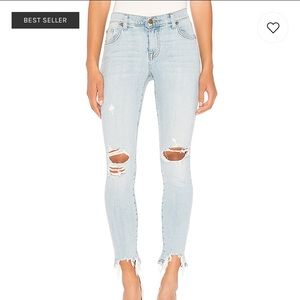 BRAND NEW Light wash distressed Jeans Mid Rise